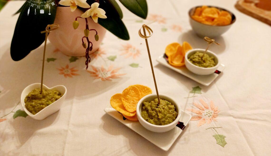 Guacamole di piselli e olive